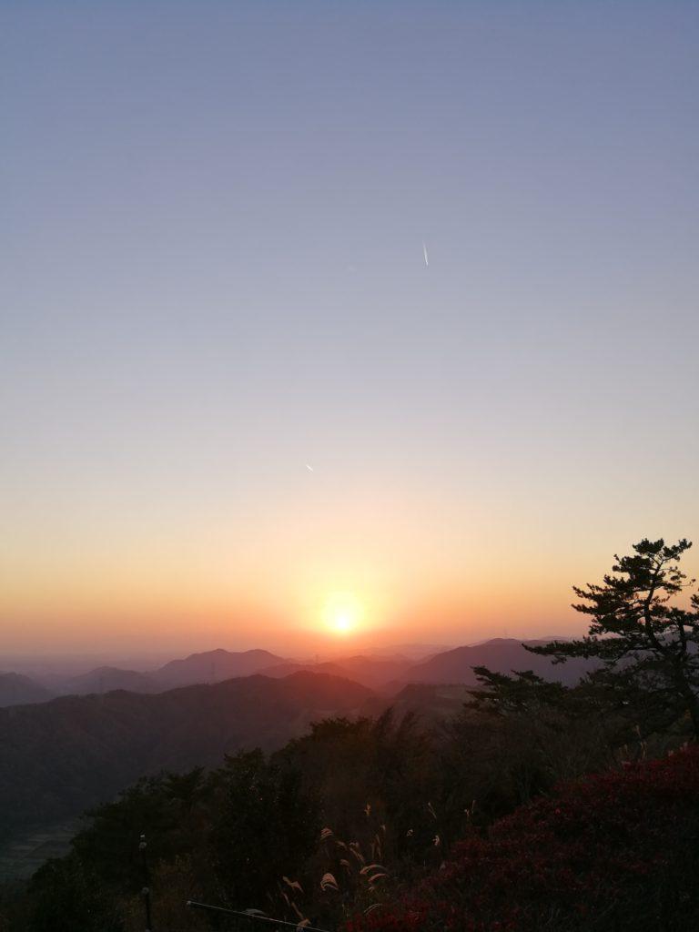 大野山の夕日